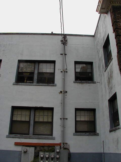 932 N. Fremont electrical service (upper)